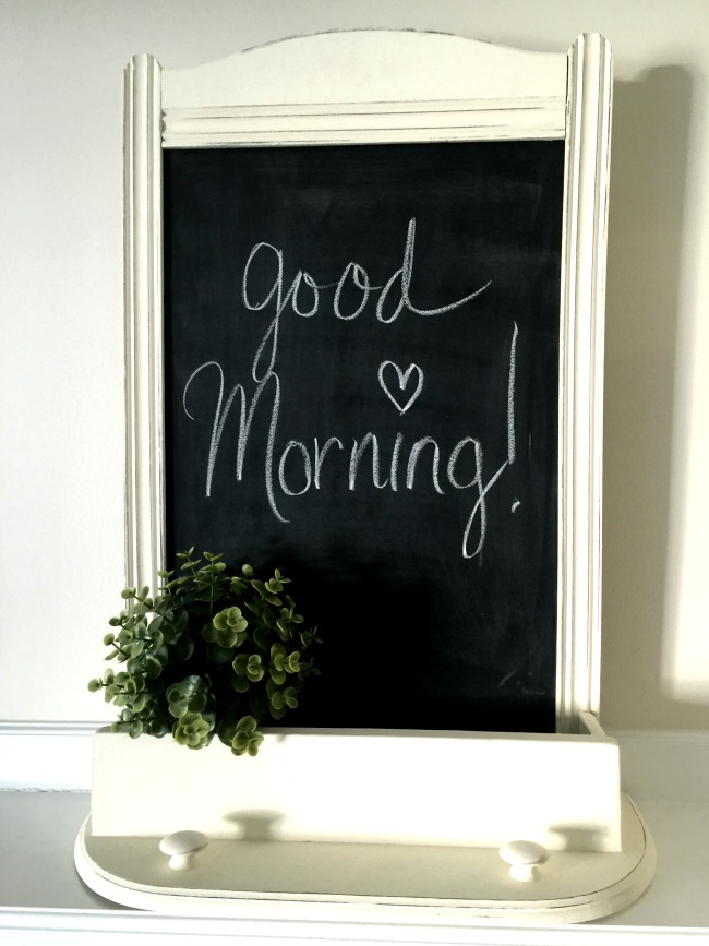 How to Create a Farmhouse Kitchen Chalkboard  www.homeroad.net