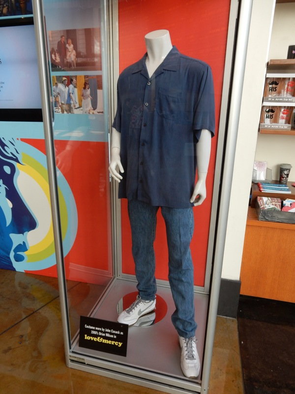 John Cusack Love and Mercy 1980s Brian Wilson film costume