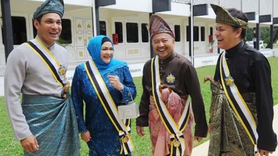 Gelaran Datuk diterima Hans Isaac, Norman KRU dan Ziela Jalil