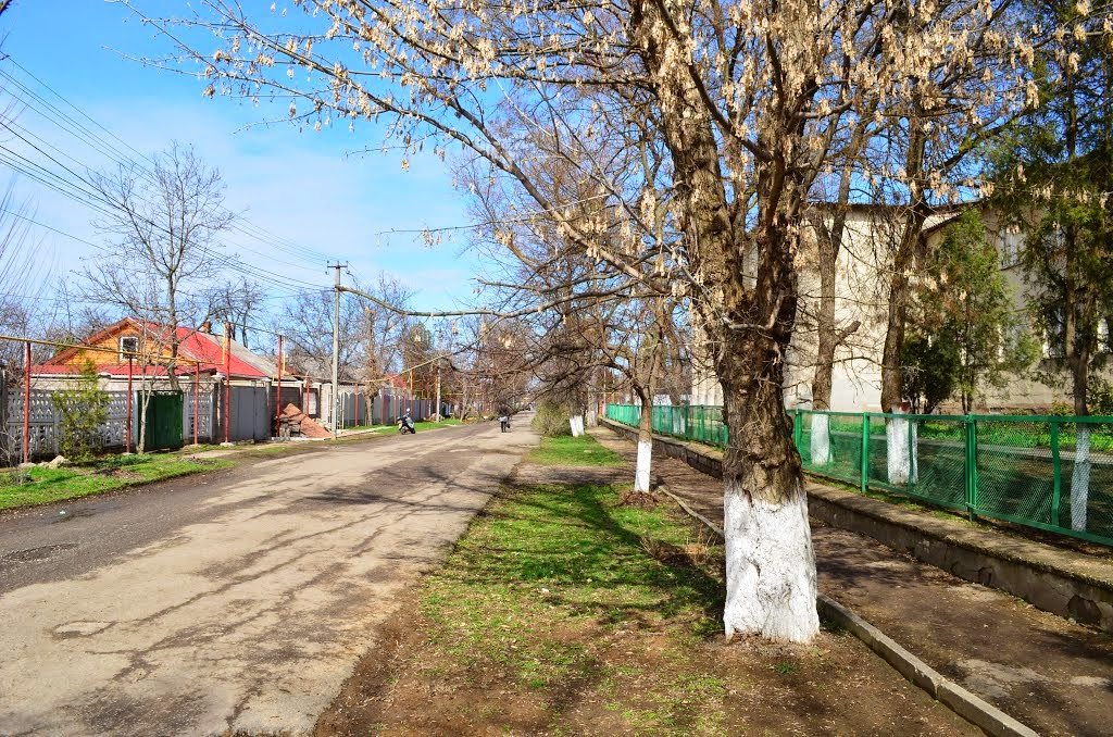 Октябрьское — поселок в самом центре Крыма