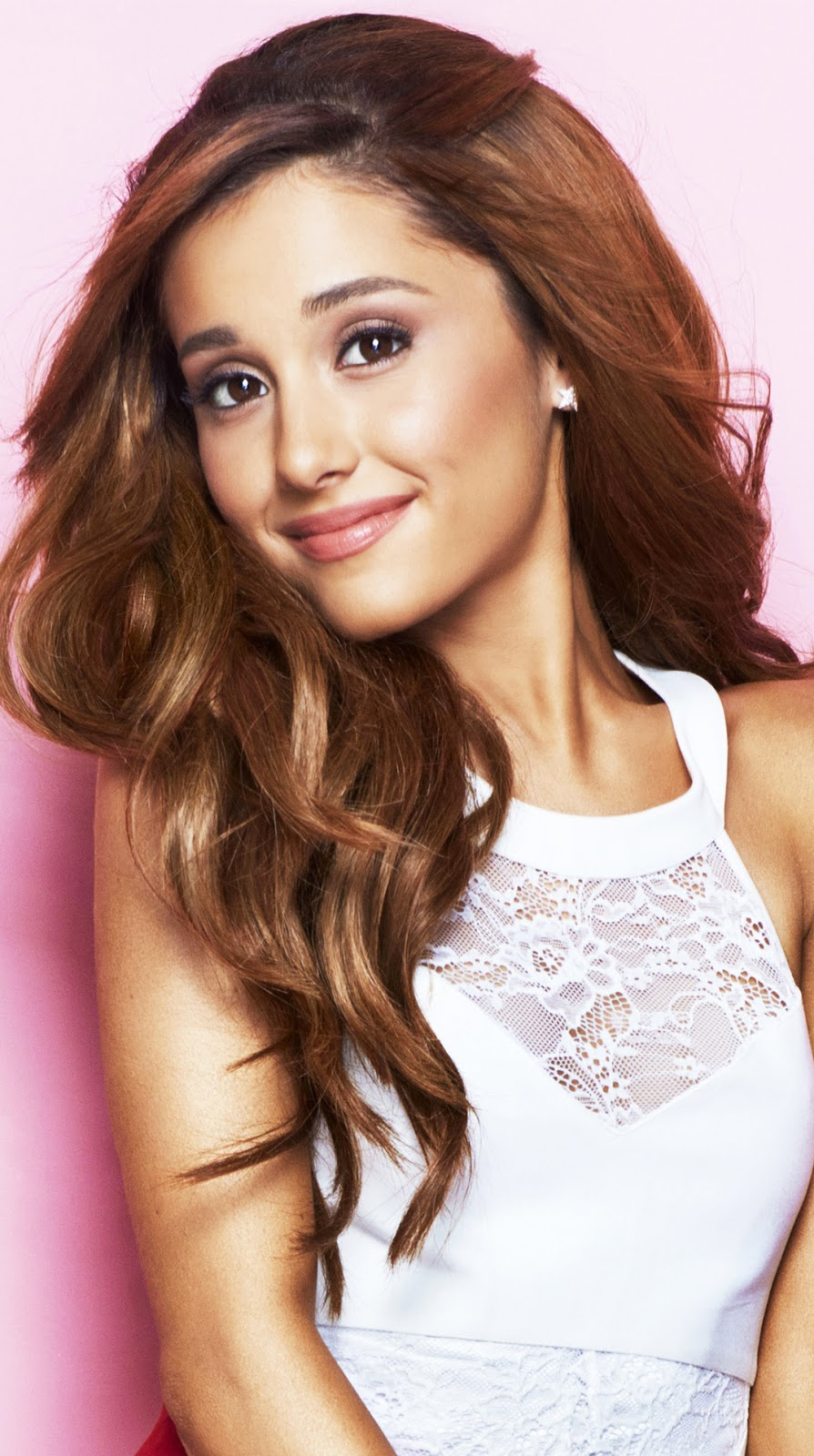 Ariana Grande Biography and Amazing Photos