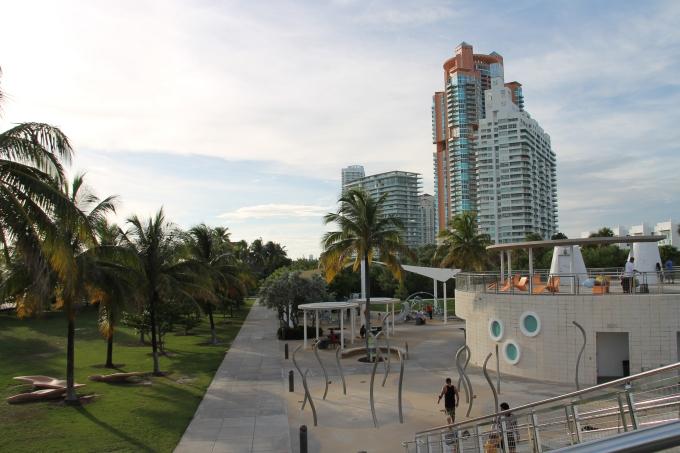 Kokemuksia Miami Beachin hotelleista ja majoituksista lasten kanssa sekä leikkipaikoista / Miami South Pointe