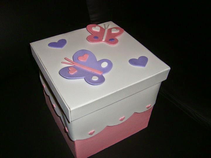 caixa feita com eva