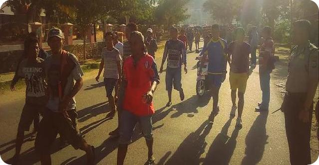 Polisi Sorong Halangi Arak-Arakan Jenazah Suku Kokoda