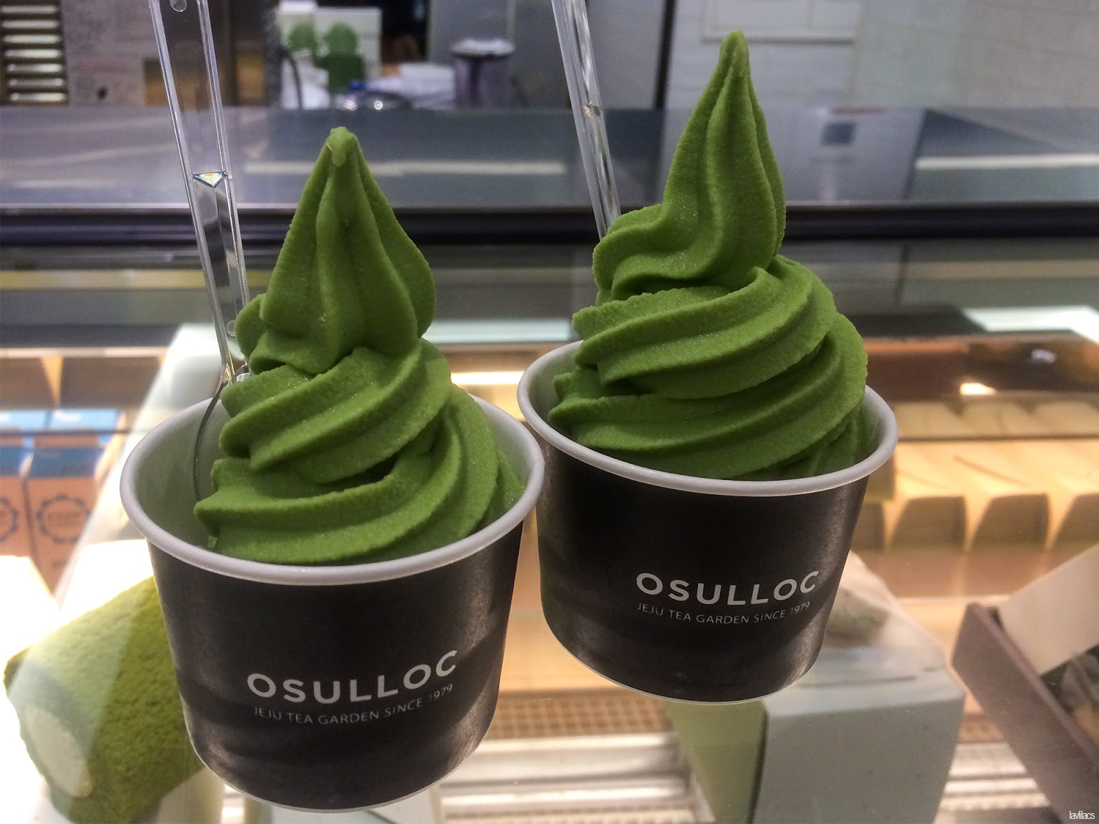 Seoul, Korea - Summer Study Abroad 2014 - Sinchon Hyundai Department Store - Osulloc Green Tea Soft Serve