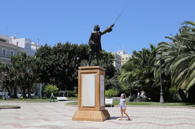 Monumento a Blas de Lezo en Cádiz