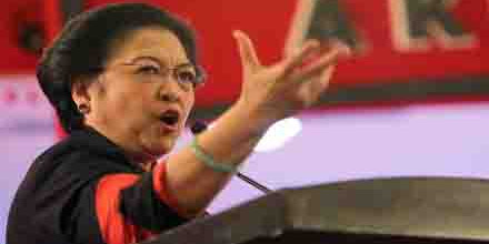 Kata Megawati: Diserang Kampanye Sehitam Apapun Harus Tersenyum