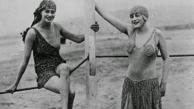 20 Fabulous Vintage Style Bathing Suits - Victoriana Magazine