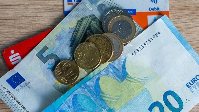 Đại dịch Covid-19 làm thay đổi văn hoá tiêu tiền của người Đức