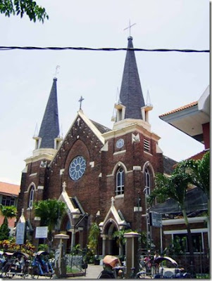gereja tebaik di surabaya
