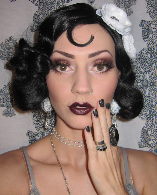Glitter is my crack...: 1920's Flapper Makeup/Costume look ...