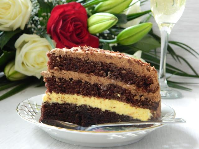 Tort cu crema de portocale si ciocolata neagra