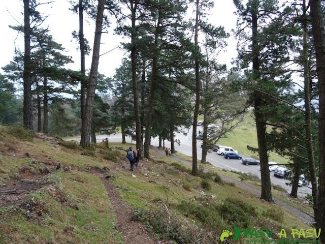 Ruta al Pico Gobia y La Forquita: Bajando de Piedra Redonda al Fitu