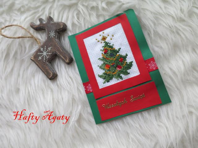 Karta z choinką i kalendarz charytatywny