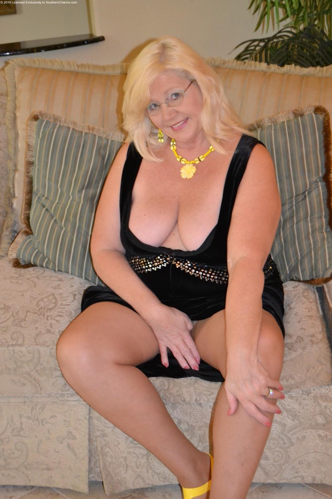 Nude Curvy Older Women