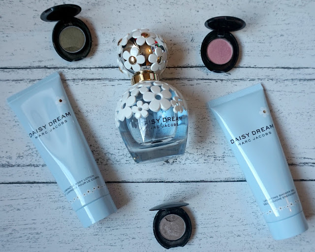 marc jacobs, daisy dream, perfume, review, beauty blogger, hanrosewilliams, hannah rose,