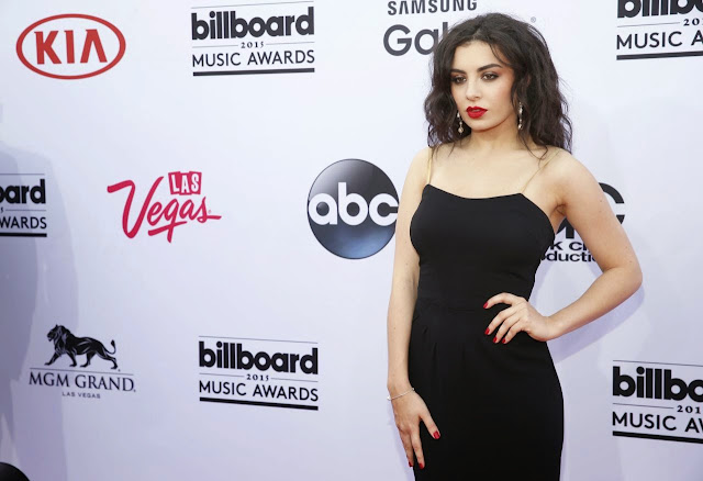 Charli XCX is sultry in a black dress at the 2015 Billboard Music Awards