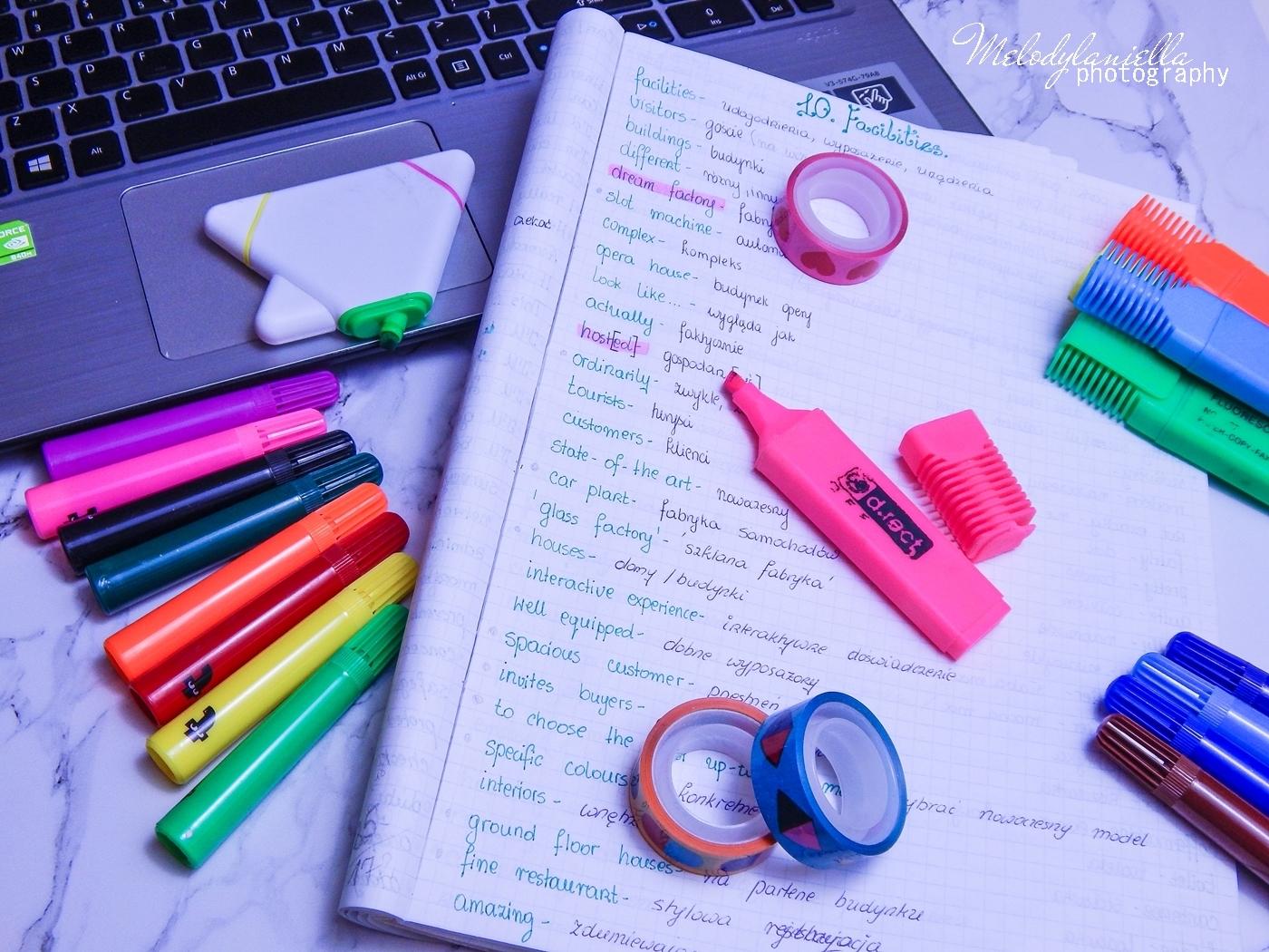 2 trzy sposoby na szybszą naukę języka angielskiego jak efektywnie uczyć się języków aplikacje do nauki angielskiego do nauki języków obcych duolingo książki ze słownikiem sherlock holmes tricki