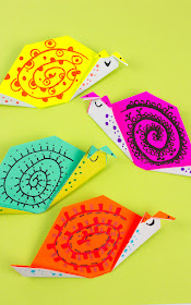 how to make easy origami snails -fun origami craft for kids and families