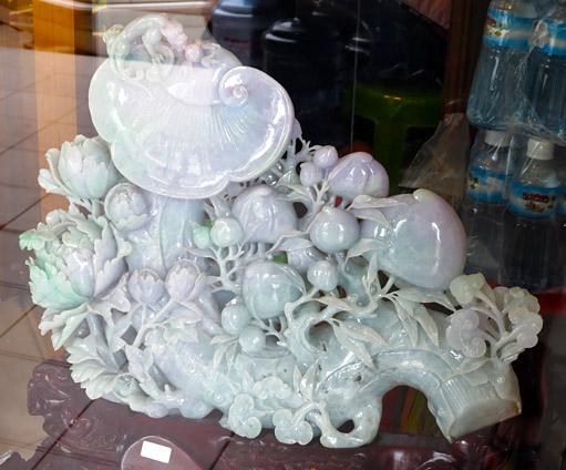 white jadeite jade sculpture