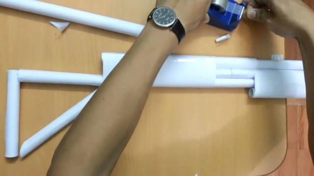 Cách làm súng shotgun giấy bắn đạn dây chun 5