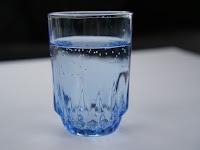 Pentingnya Minum Air Putih Untuk Penuhi Cairan Tubuh Setiap Hari