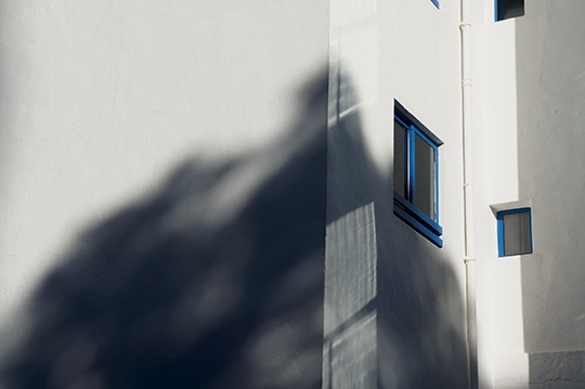 urban photography, contemporary photography, urban photo, street scene, street photography, minimalism, minimalistic, Sam Freek, shadows,