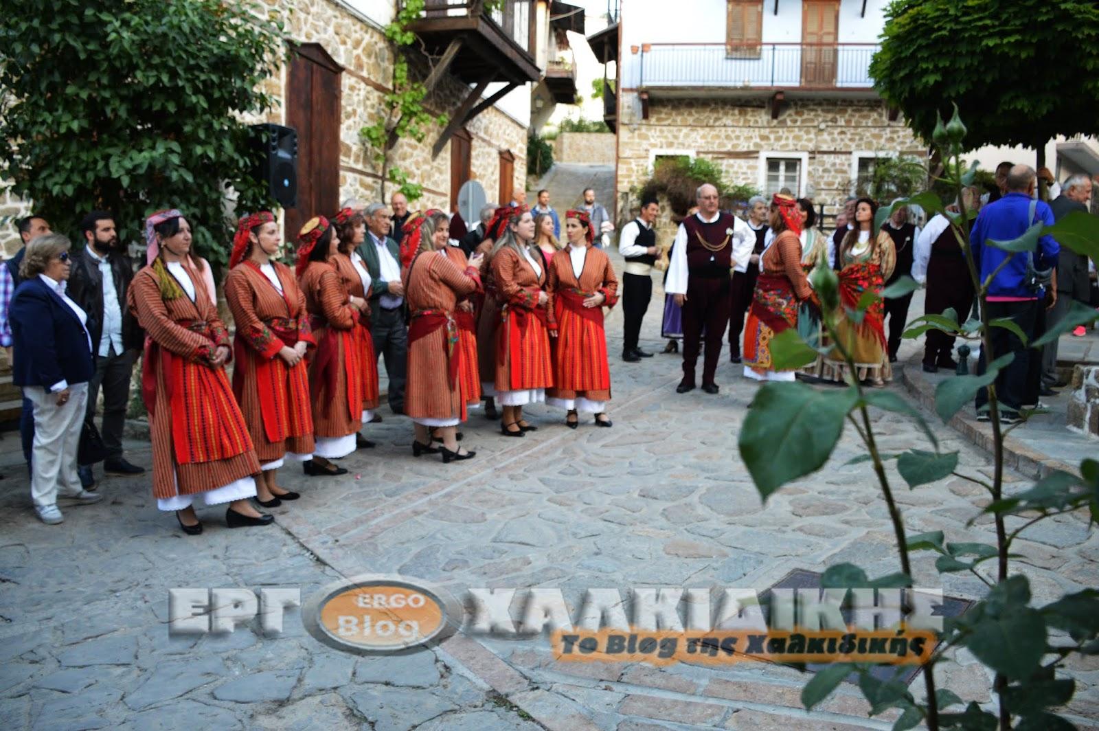 Γιορτή του ψωμιού του μελιού και του Ζυμαριού στην Πλατεία Μουσείων στην Αρναία.(βίντεο φωτο)