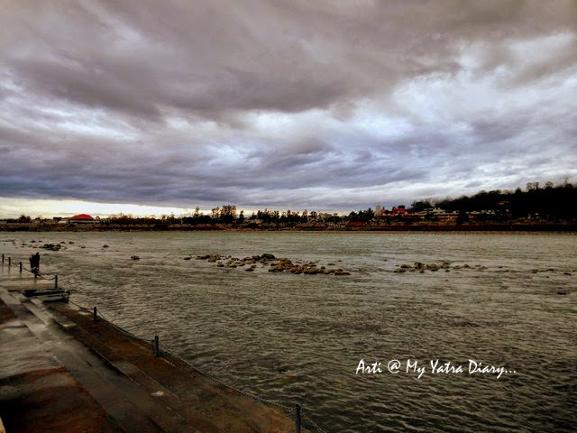 Overcast sky by the River Ganga at Rishikesh -Parmarth Niketan Ashram