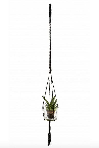 https://prettywire.fr/idees-cadeaux-de-noel-decoration/2991028-corde-macrame-noire-a-suspendre.html