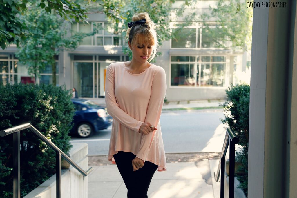 what-to-wear-with-blush-top