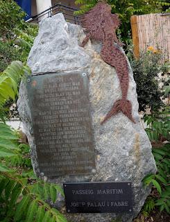 Monument: Grifeu de Josep Palau i Fabre al Passeig Marítim Josep Palau i Fabre (Llançà) per Teresa Grau Ros