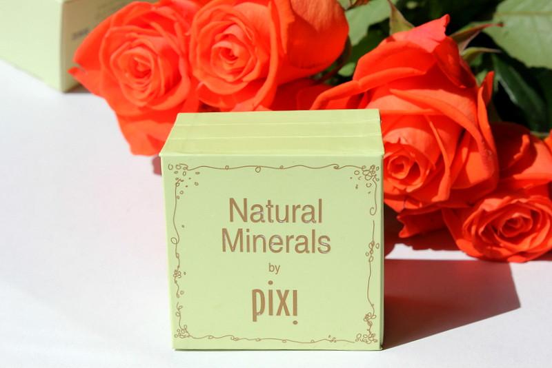 Отзыв: Универсальная минеральная палетка для макияжа PIXI Natural Mineral Kit.