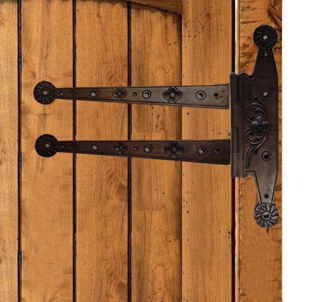 engsel pintu antik