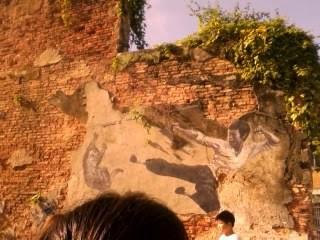 "<a href=""url gambar""><img alt=""street art penang malaysia mural bruce lee"" src=""urlgambar"" title=""street art penang malaysia mural bruce lee"" />"