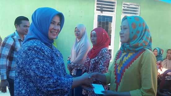 Usai Bagikan Insentif Kader Posyandu,Ida Fitriati Nyatakan Siap Maju Dalam Pilkada Pagaralam 2018