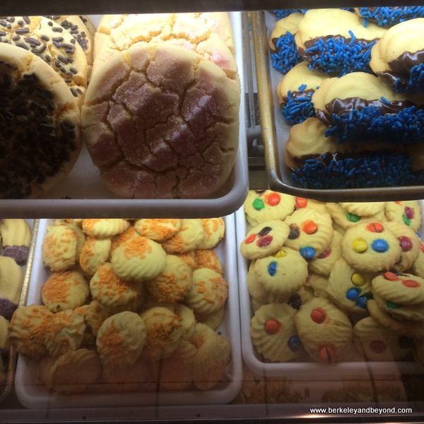 cookies at el Rico Tinto Bakery in Jackson Heights, Queens, NYC