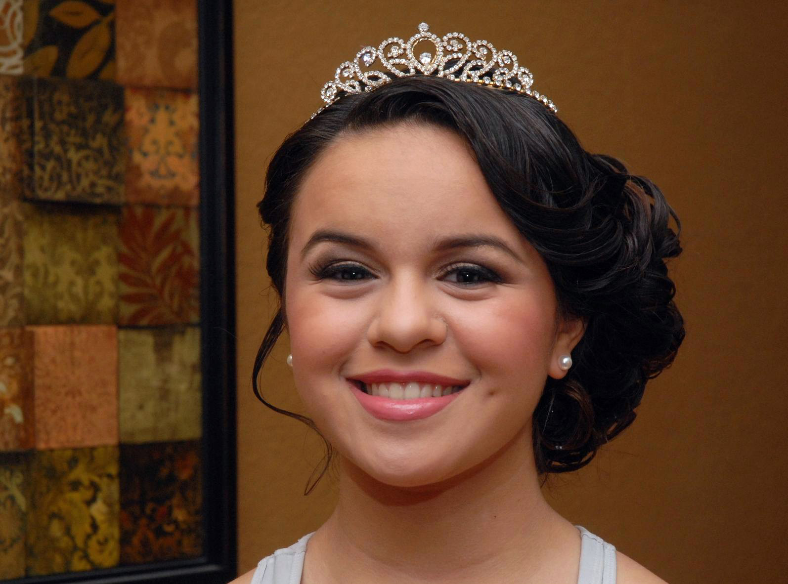Quince Hairstyles For Short Hair: Makeup By Yaneth Gray