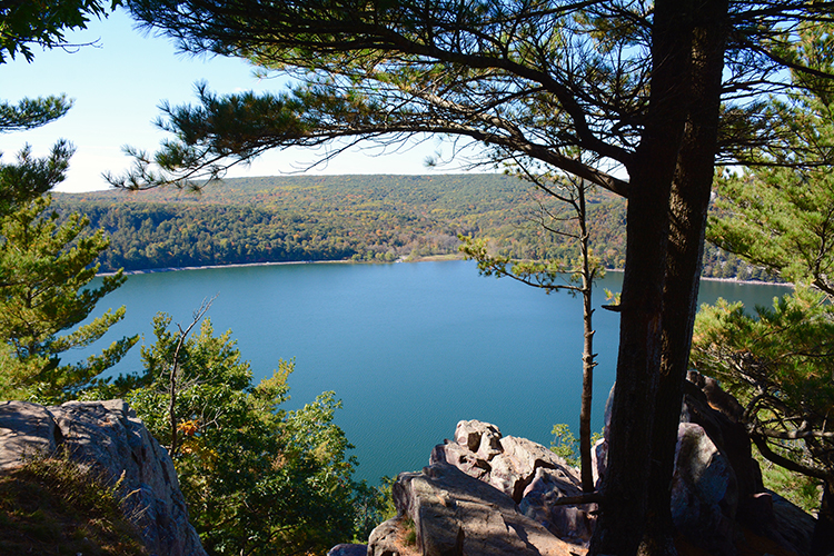 Hiking Devil's Lake State Park | My Darling Days