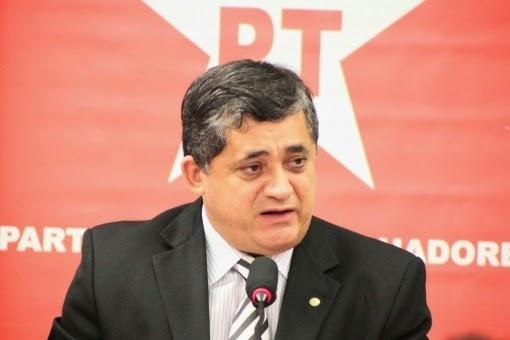 Resultado de imagem para Imagens do deputado José Guimarães do PT