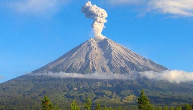 Inilah Enam Gunung Yang Memiliki Puncak Paling Tinggi Di Indonesia