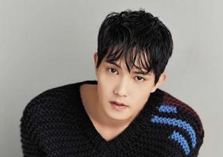 """El cantante surcoreano de K-pop Lee Jong-hyun confesó hoy su implicación en el escándalo de videos sexuales que está sacudiendo a la industria musical del país y pidió disculpas a sus seguidores por su comportamiento """"inmoral""""."""