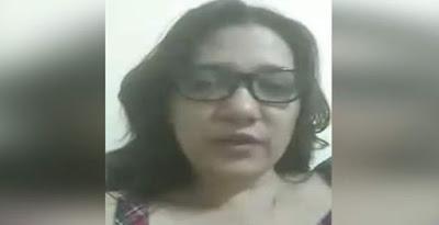 مدونون يهاجمون أمل فتحى ناشطة «السبوبة»