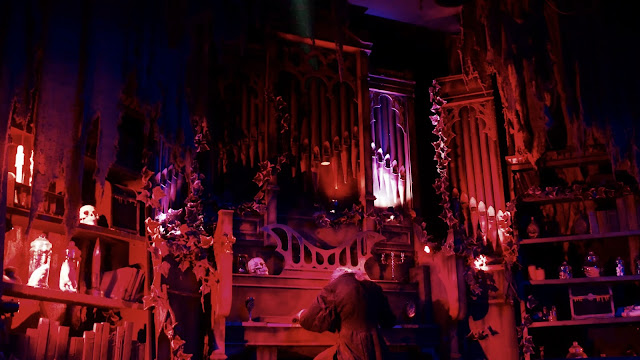 Photo of Vampire Organ Animatronic Chessington World of Adventures