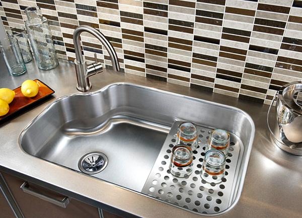 Tips Membuat Kitchen Sink Dapur Anda Tetap Terlihat Kinclong !