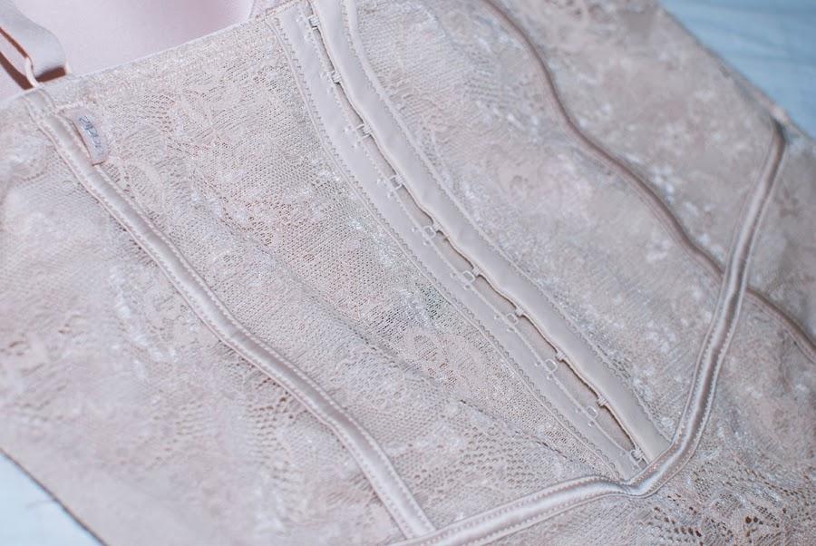 Lace & Curves