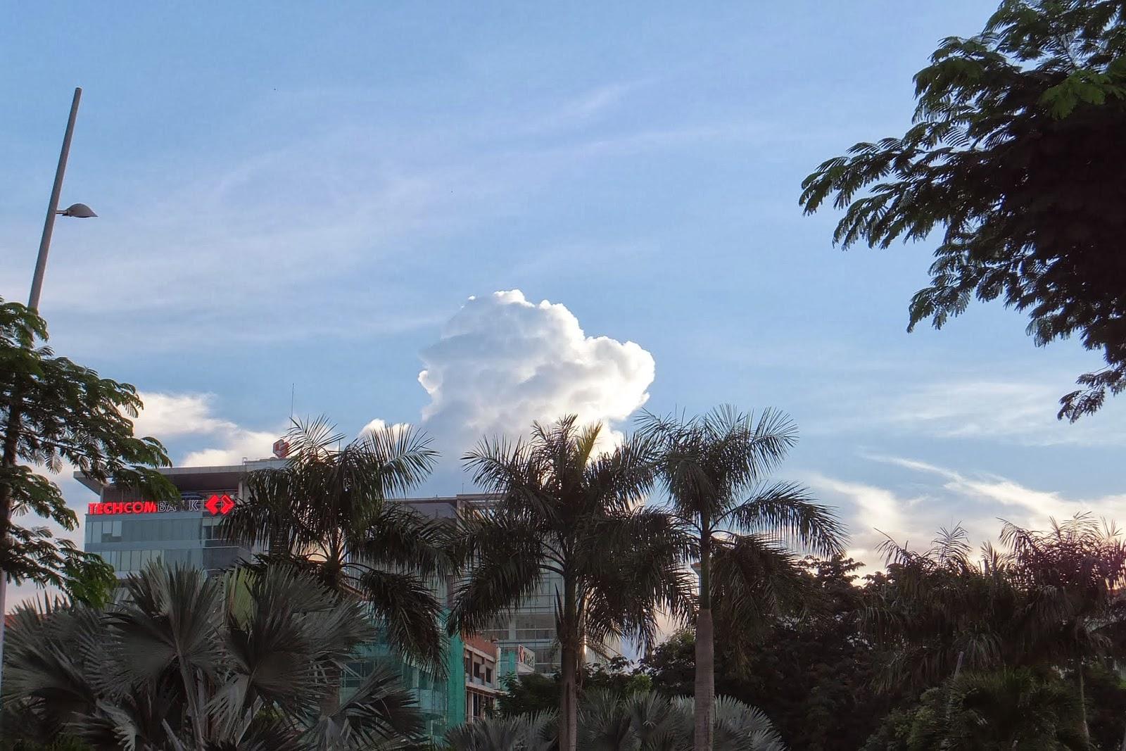ベトナムの雲 big-cloud-hcmc