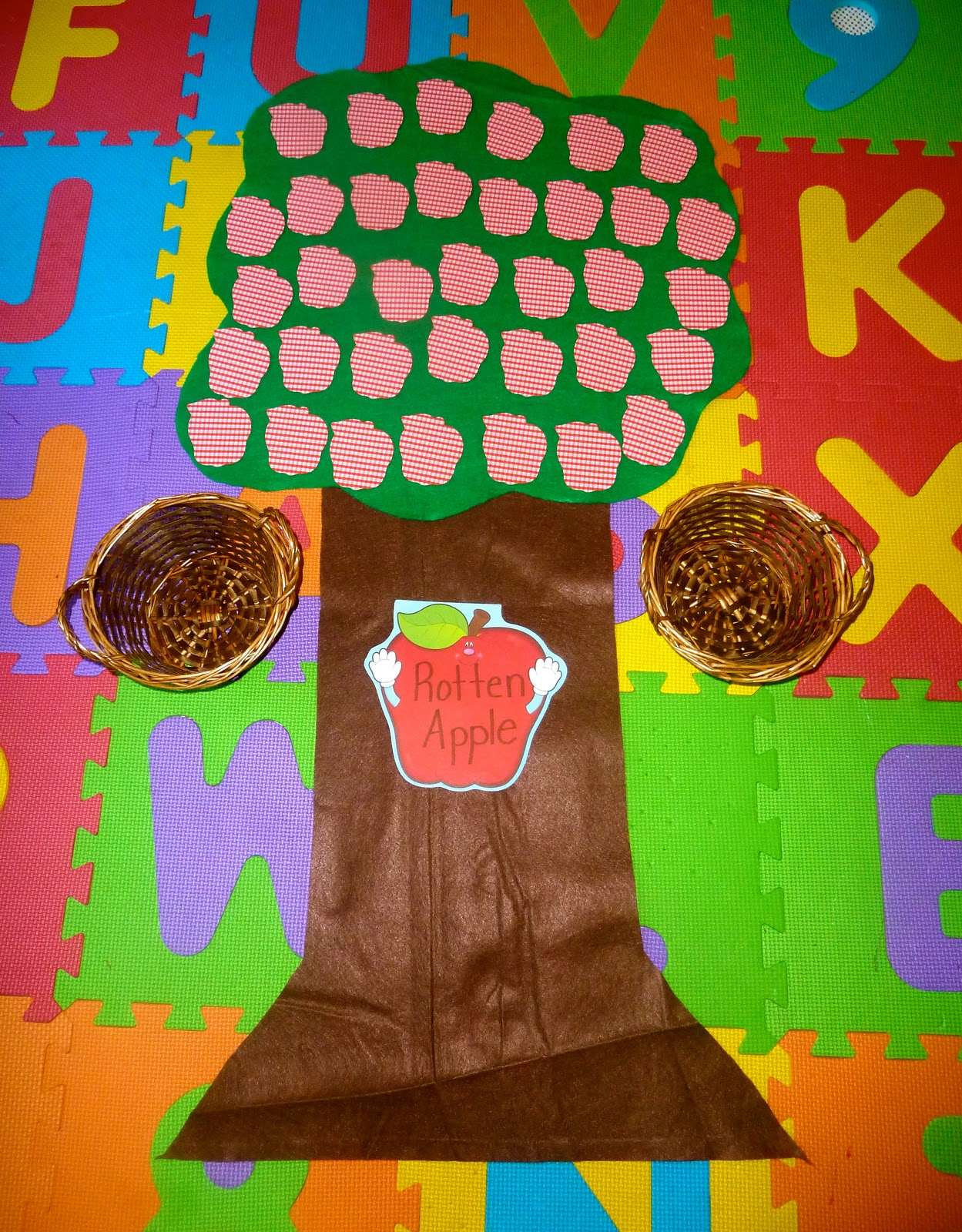 Rotten Apple A Sight Word Review Game