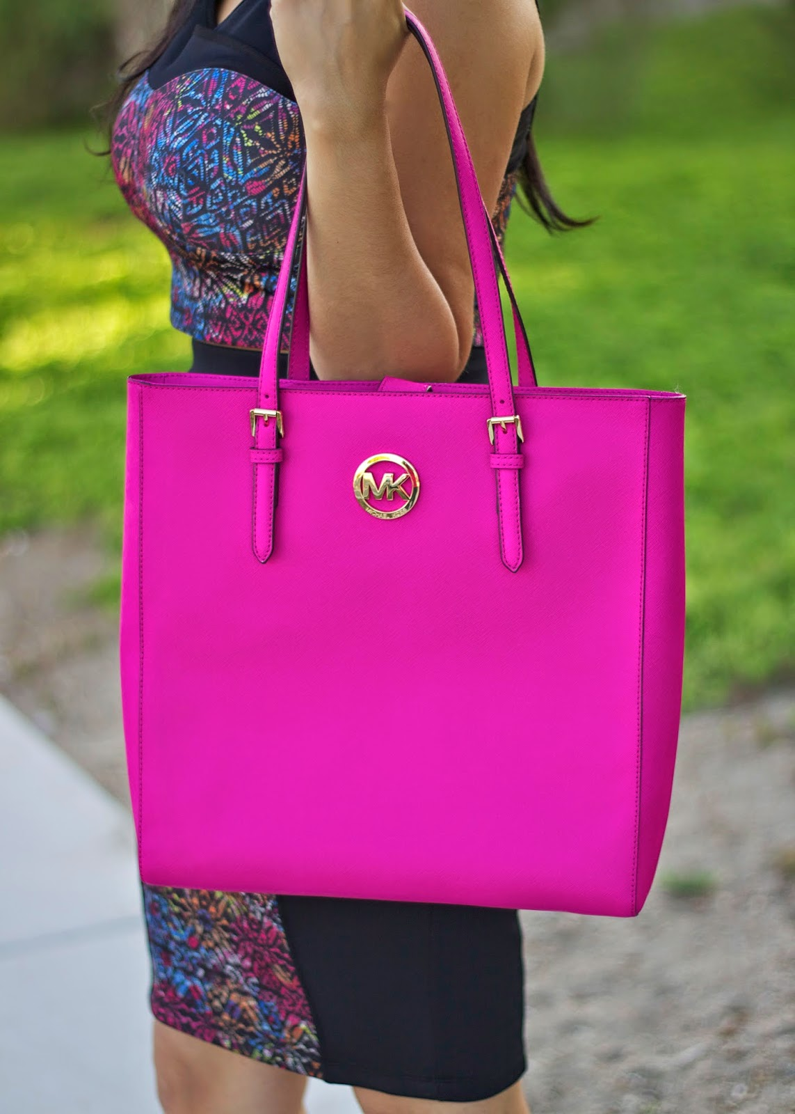 Hot Pink Michael Kors, how to wear a pink purse, how to wear a crop top and a pencil skirt, how to add a pop of color to outfit, ootd in San Diego, fashionweeksd, fashion week sd