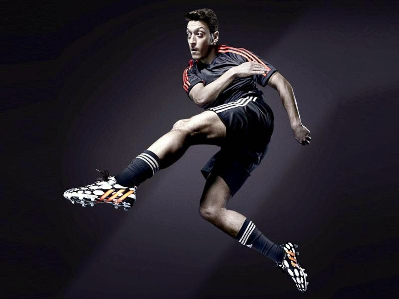 ALL SPORTS PLAYERS: Mesut Ozil Hd Wallpapers 2014
